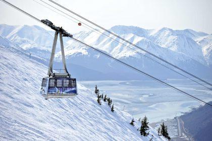 Skifahren mit Blick aufs Meer am Mount Alyeska - Hotel Alyeska