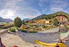 """Kinderhotel Buchau: Urlaub bei den """"Kinderverstehern"""" am Tiroler Achensee"""