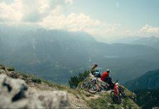 Mountainbike und die moun10 Jugendherberge