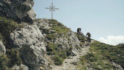 Robert Werner und Bernd Hassmann vom Flow Valley Team starten vom Gipfel