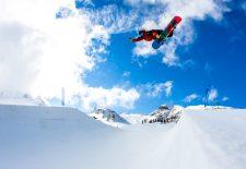 Kitzsteinhorn: Marc Swoboda jibbt sich durch den Glacier Park! [VIDEO]