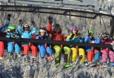 Wintersport-Angebot im Familien-Skigebiet Oberjoch begeistert Eltern, Kinder und Jugendliche