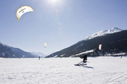 Snowkiten_am_Reschensee
