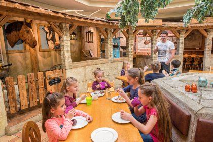 Kinderrestaurant Leading Family Hotel Resort Alpenrose