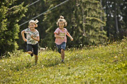 Kinderwandern in Saalbach Hinterglemm Kohlmaisbahn © Mirja Geh
