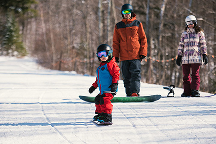 Kids aufs Brett – Snowboarden eignet sich für jedes Alter