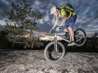 Biken in der Mitternachtssonne © Andreas Kern