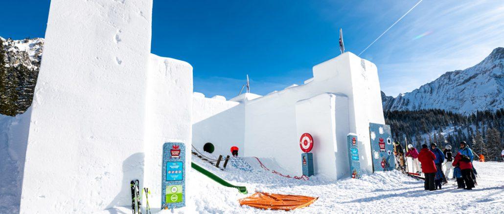 Die neue Schneeburg sorgt für Winterspaß bei kleinen Besuchern © FroZenLights