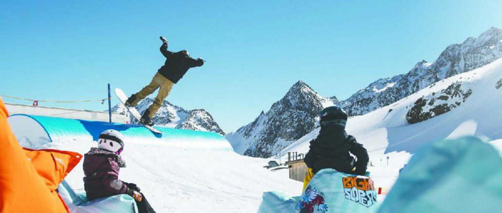 Freeride wird im Königreich des Schnees, am Stubaier Gletscher, groß geschrieben. © Andre Schönherr