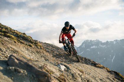 Die Silvretta Bikearena bietet mit ihren 754 ausgeschilderten Tourenkilometern eine perfekte Infrastruktur mit Rundum-Service und kostenlosen Seilbahntransfer für Mountainbiker © TVB Paznaun/Ischgl