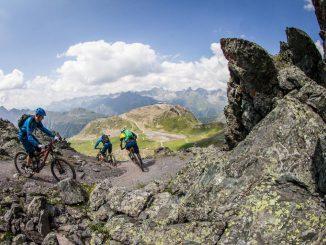 Der rassige, von Mountainbike-Legende Hans Rey konzipierte, Velill-Trail bietet versierten Downhillern und Enduristen über 10,3 Kilometer und 1.447 Höhenmeter Fahrspaß pur © TVB Paznaun/Ischgl