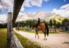 Auf die Zwerge, fertig, los: Familienprogramm im Südtiroler Eggental