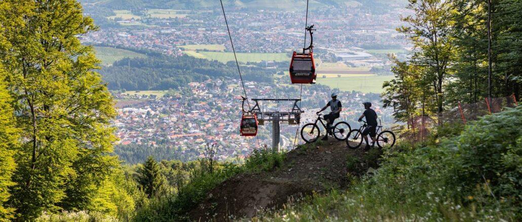 Abenteurer und Mountainbiker erfreuen sich an den Routen im Park Maribor ©www.slovenia.info, Jost Gantar