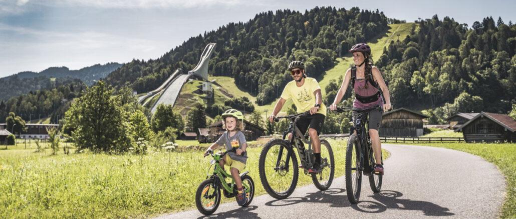 Die Zugspitz-8-Tour ist auch für Familien machbar © Klaus Listl